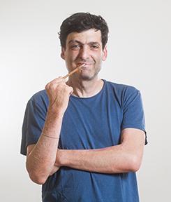 """חוה""""מ פסח: פרופ' דן אריאלי מארח את שלמה גרוניך"""