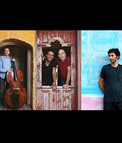 עושים ג'אז עם עופר פורטוגלי: סגיב כהן, אלי מגן, אלון עדר, איריס פורטוגלי וזמרי מקהלת הגוספל